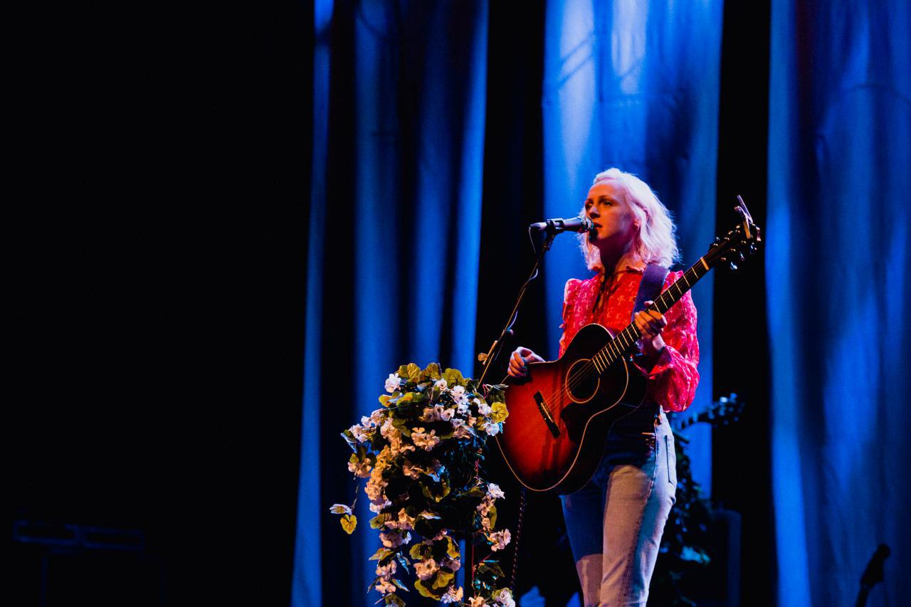 Laura-Marling-vogue-theatre-do-604-1.jpg