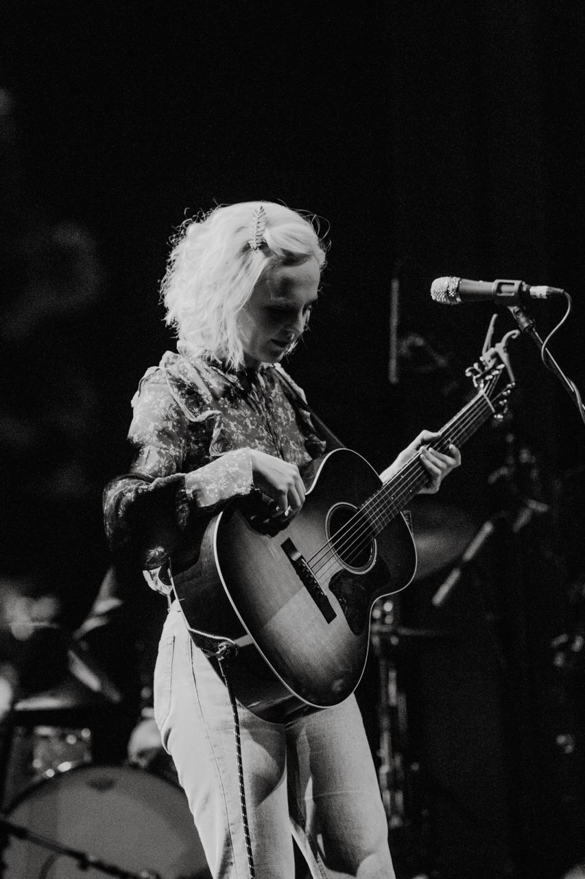 Laura-Marling-vogue-theatre-do-604-3.jpg