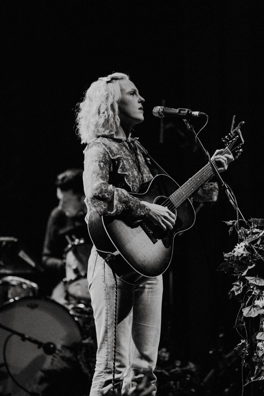 Laura-Marling-vogue-theatre-do-604-7.jpg