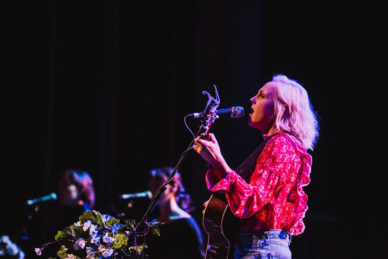 Laura-Marling-vogue-theatre-do-604-8.jpg