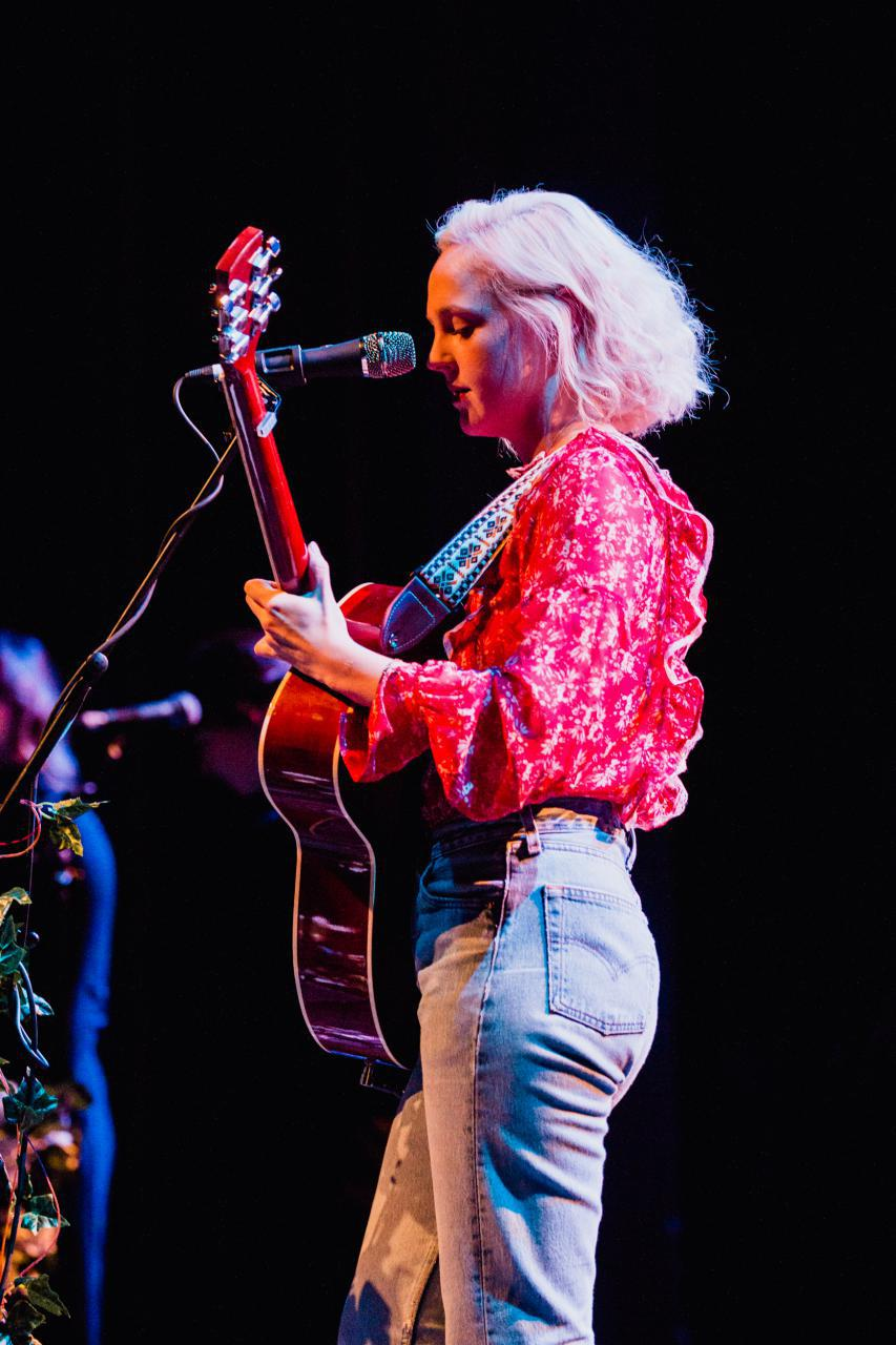 Laura-Marling-vogue-theatre-do-604-11.jpg