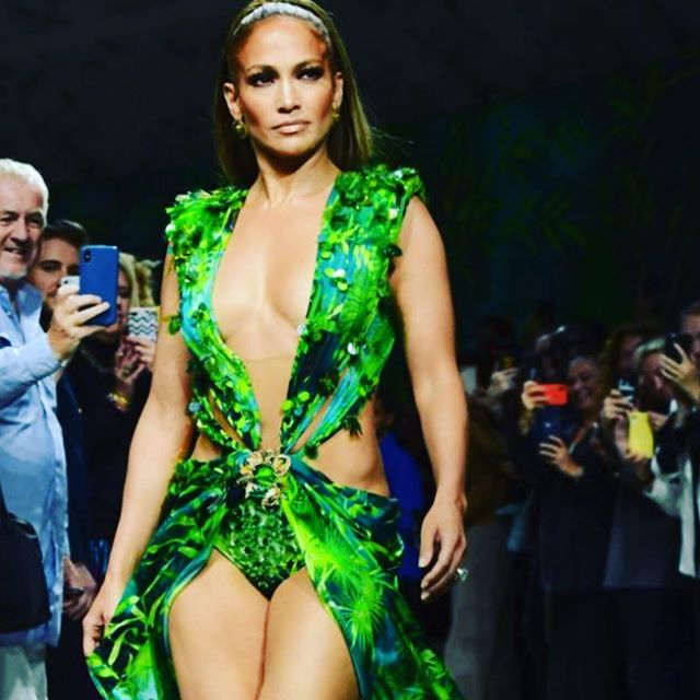 @jlo shaking those tail feathers at @milanfashionweekofficial in that same @versace dress from 20 odd years ago 🔥#versace #milanfashionweek2019 #jenniferlopez #hotbod #smoking #legsfordays #thatdress #kudos #lookingood #shithot #yougotitflauntit