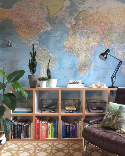 Map wallpaper.  Makes me immediately want to book a holiday.