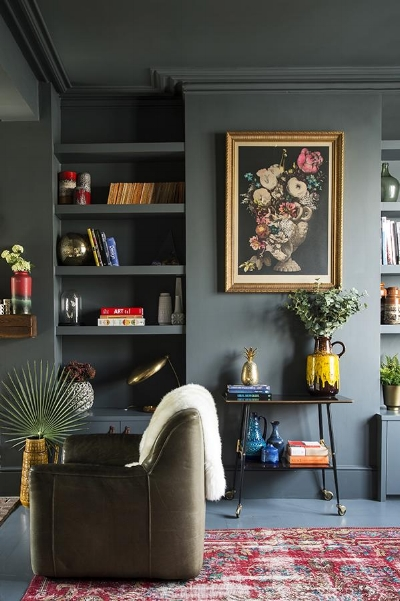 Random fact of the day:  One of the most pinned pictures on Pinterest is this one of Wendy's living room.   Photography by  David Cleveland  for  Guardian Weekend .