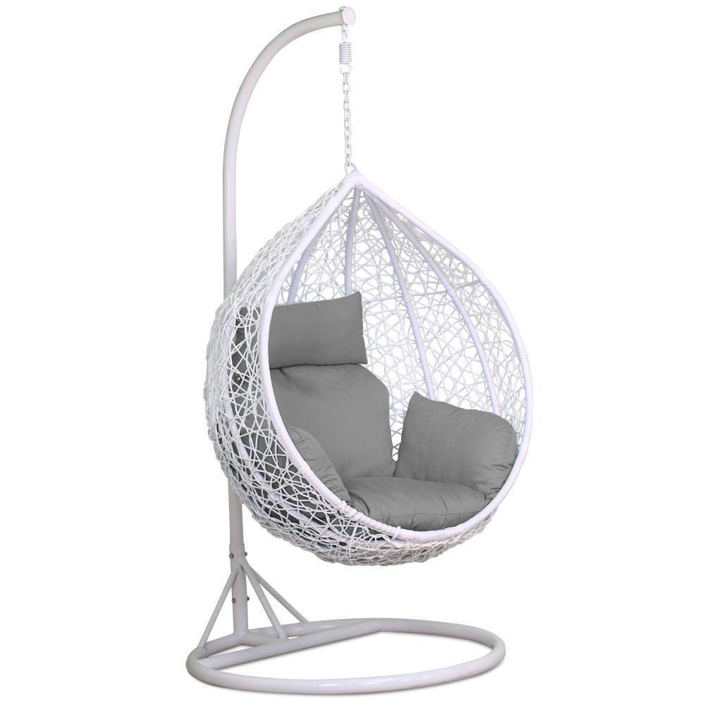 Popamazing White Rattan Swing Chair   Amazon £239.99