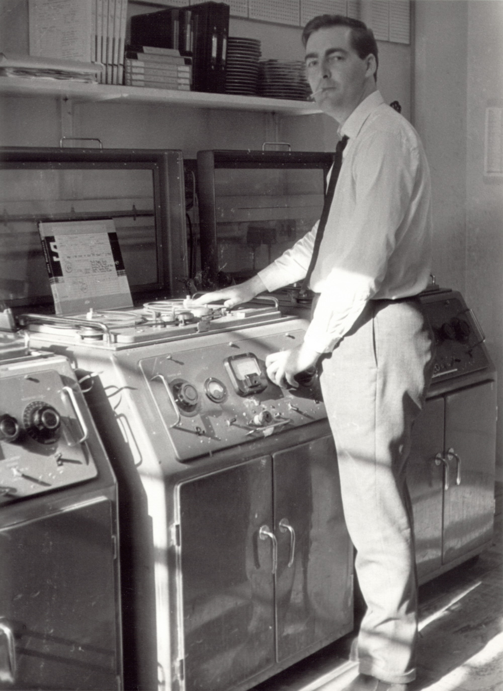 KEVIN TAPE COPYING IN THE DECCA STUDIOS' DUPLICATING ROOM, EARLY 1960S