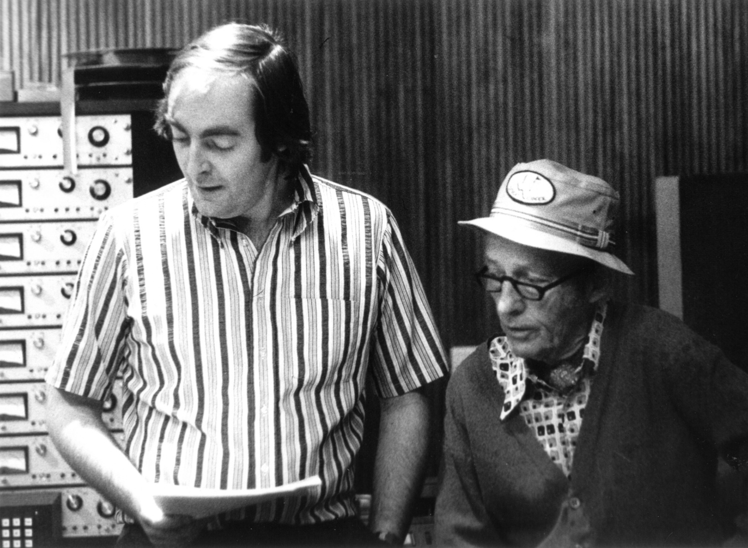 KEVIN WITH BING CROSBY IN DECCA STUDIO 3, RECORDING THE ALBUM, 'FEELS GOOD, FEELS RIGHT', 1976