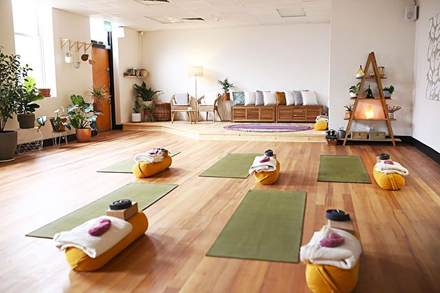 The studio is a warm and welcoming space!  When the mats are filled, it makes it even more joyous! … 🙏🏻 A reminder there is no Wednesday Yoga class tonight, 16th & 30th Oct.  Be sure to check for any class updates on my website. 🌱 www.freshsprouts.com.au