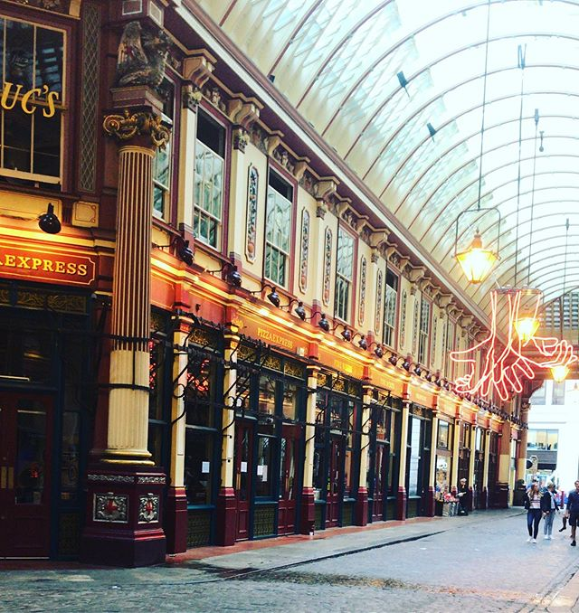 ⚡️ #london #leadenhallmarket #harrypotter #diagonalley #leakycauldron #photography #adventure #exploring #home