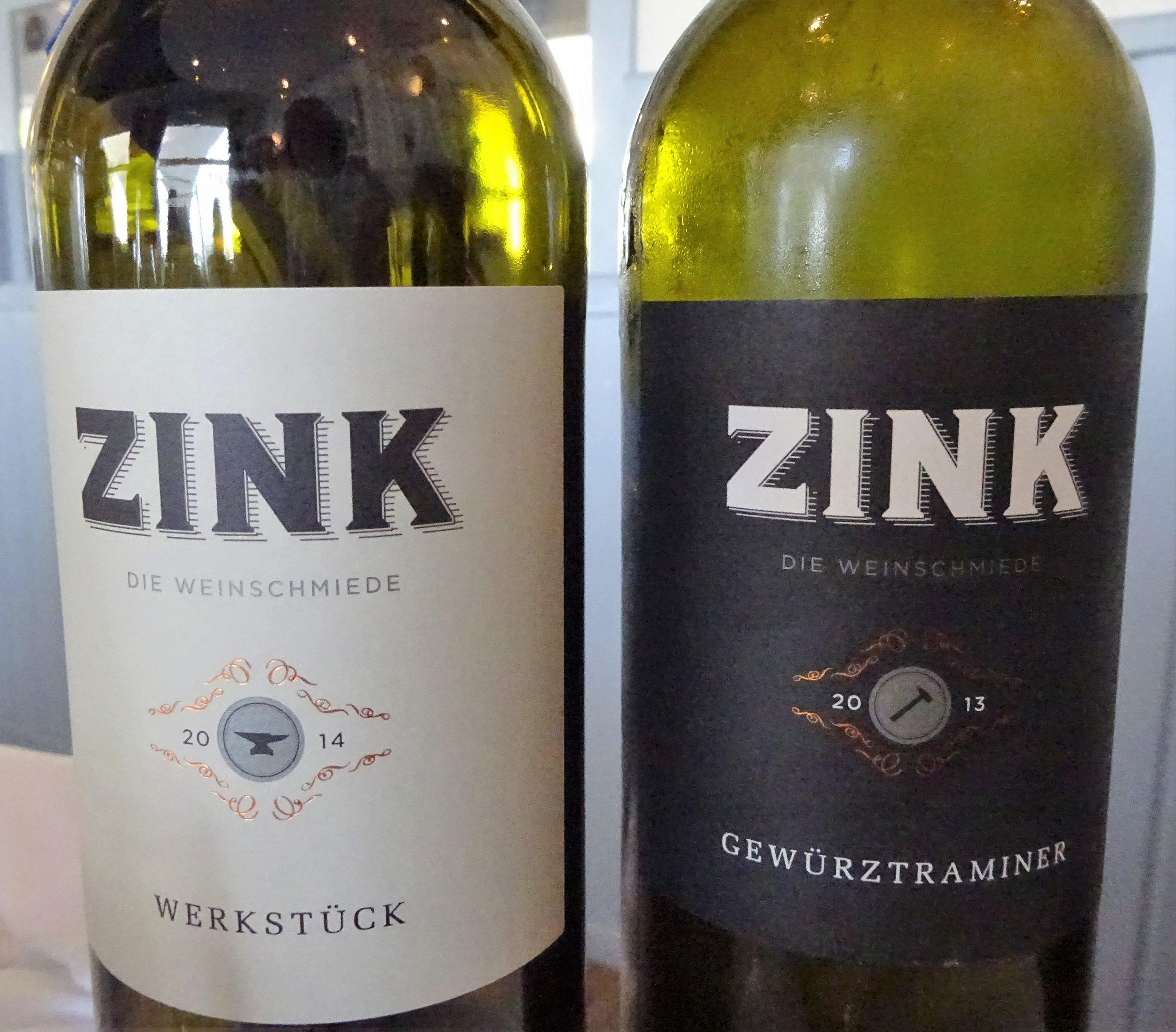 """А этикетки вин оказались """"вписывающимися"""" в наш чёрно-белый концепт."""