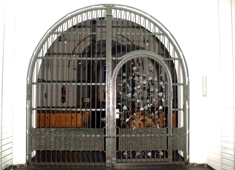 EingangsGitter-Paul-Nage-1976l.jpg
