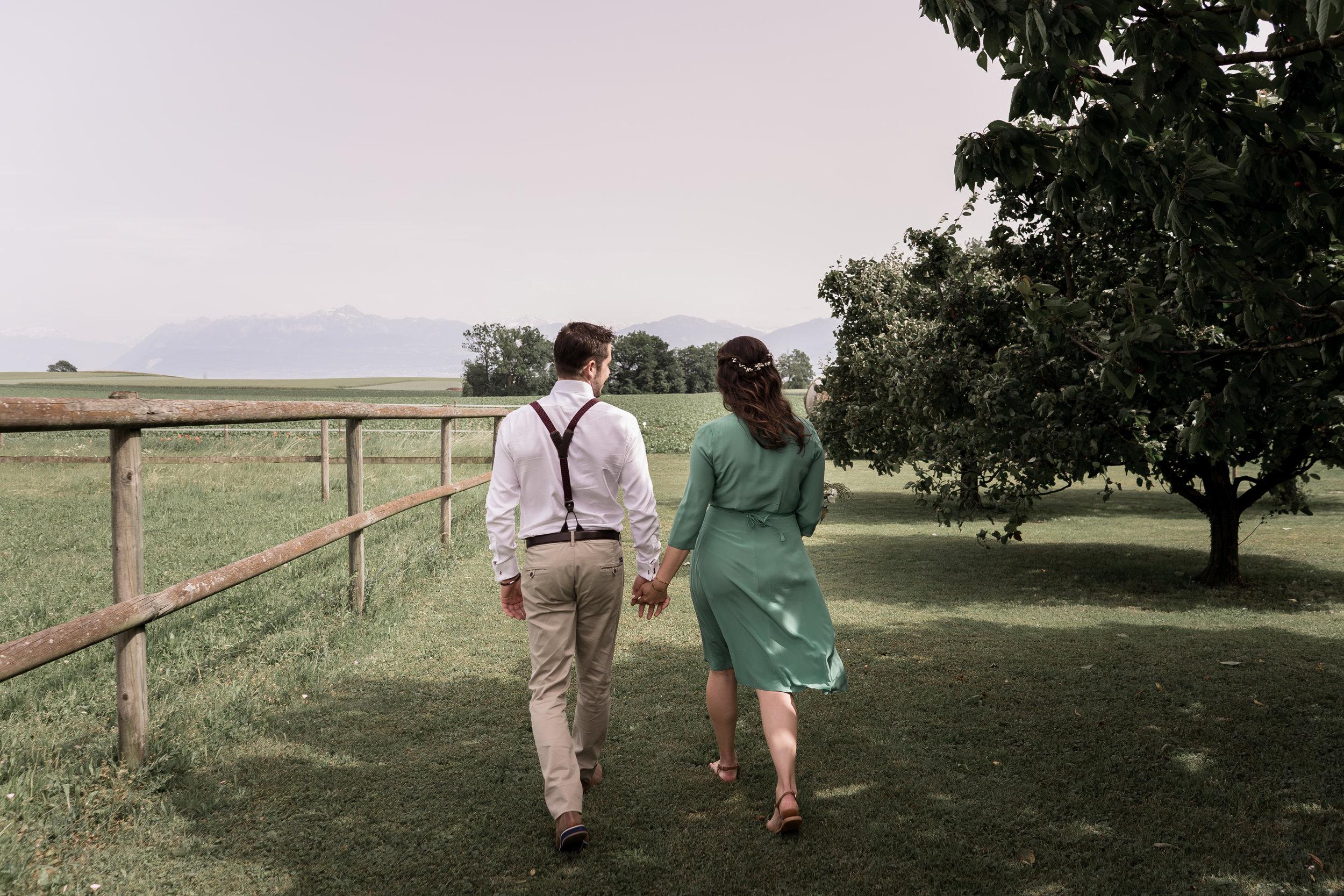 M&M - «Super photographe de mariage! Sam a su nous mettre à l'aise tout au long et a capturé les moments magiques de cette belle journée. Les portraits qu'elle a fait sont également magnifiques! Nous étions enchantés et la recommandons à 200% Le rendu des photos est romantique et très naturel! Encore un immense merci!»