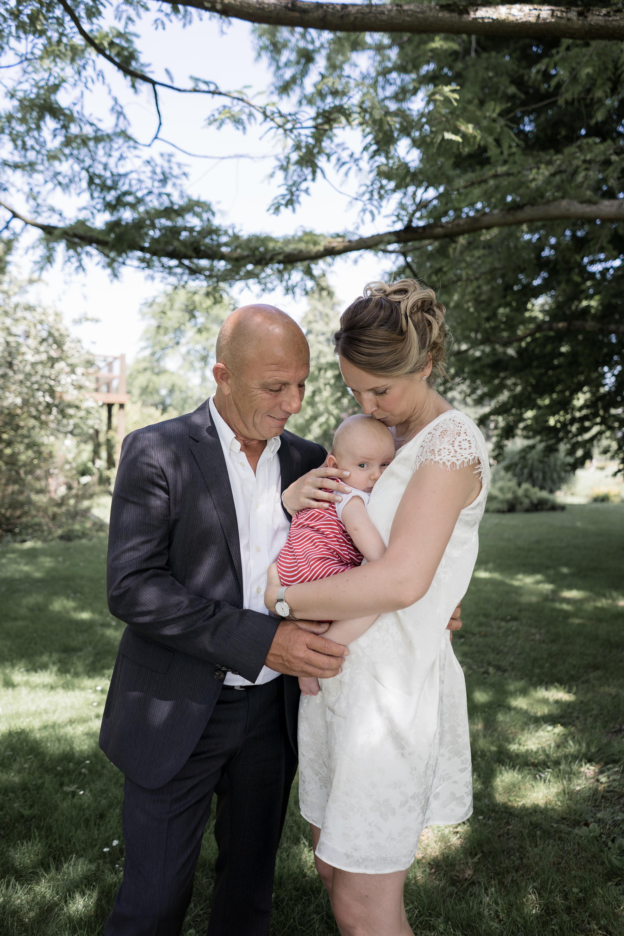 C&C - «Un grand merci à Samantha pour cette magnifique séance photo dans le parc de Morges. Une photographe qui nous a guidé avec patience et humour. Très beaux souvenirs!»
