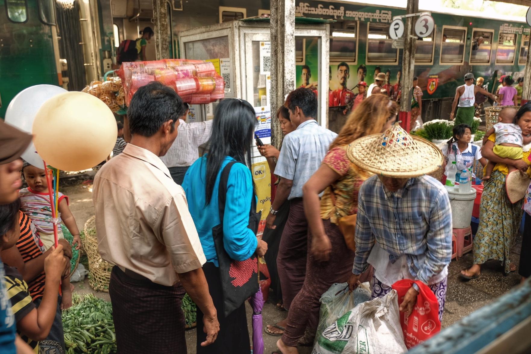 Merchants boarding the trains.