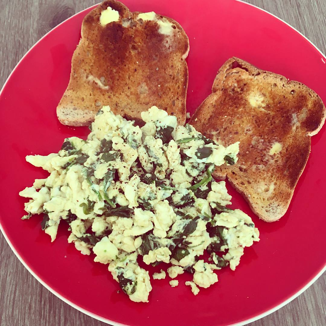 eggs spinach toast.jpg