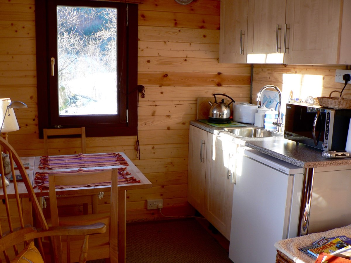 cabin kitchen.jpg
