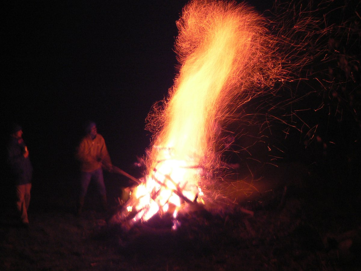 bonfiree sparks 1108.jpg
