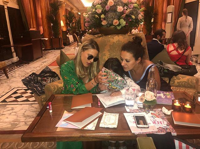 Coloring pencils and books are our best friends ! Dinner company at the Dorchester in London ❤️
