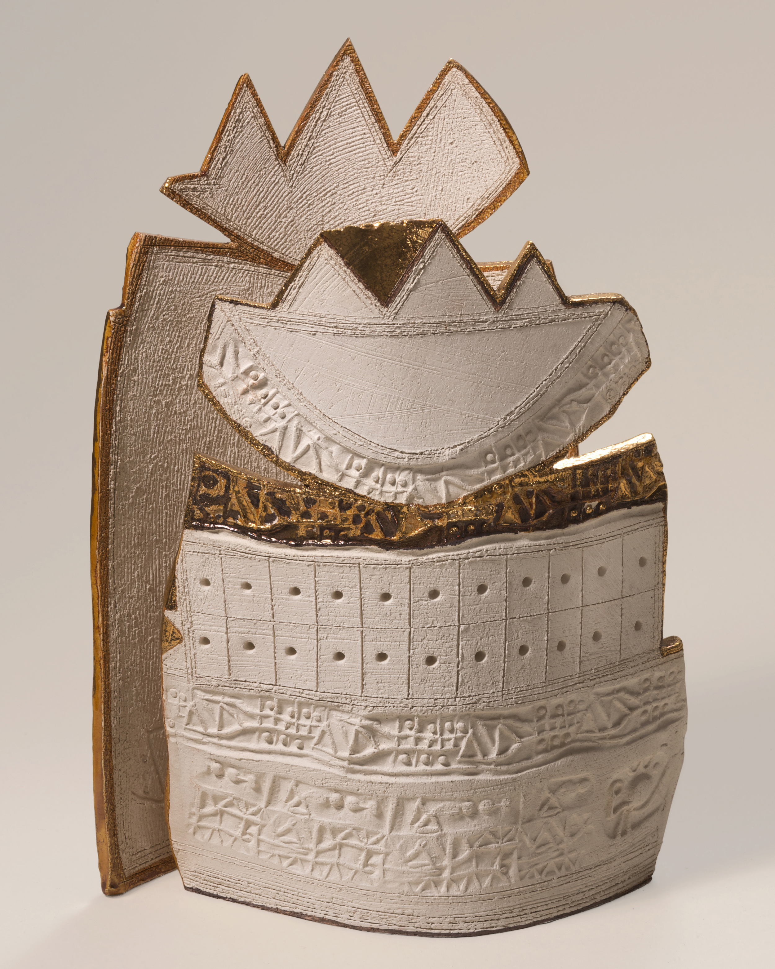 Letters from Dijla and Furat   Earthstone and gold 32x22cm 2004  Hussain Harba Collection  Italy
