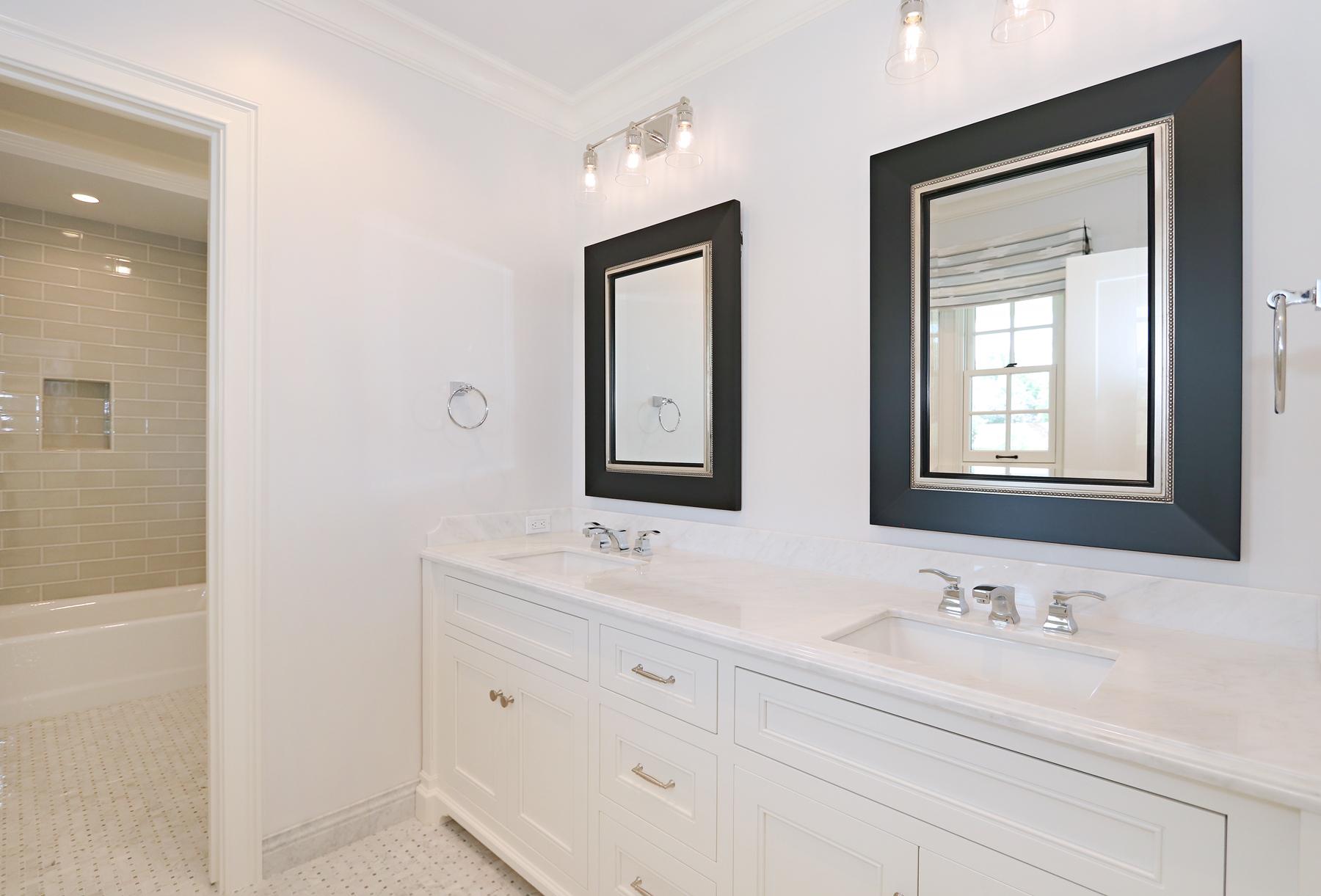 sm_31_Bathroom.jpg
