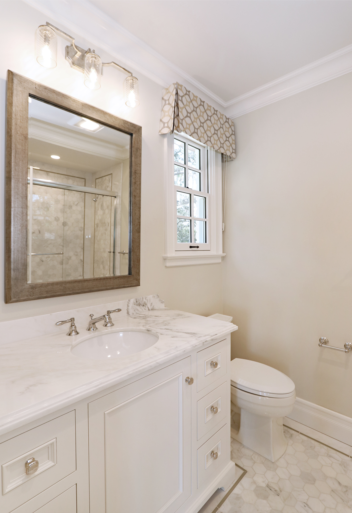 sm_32_Bathroom.jpg