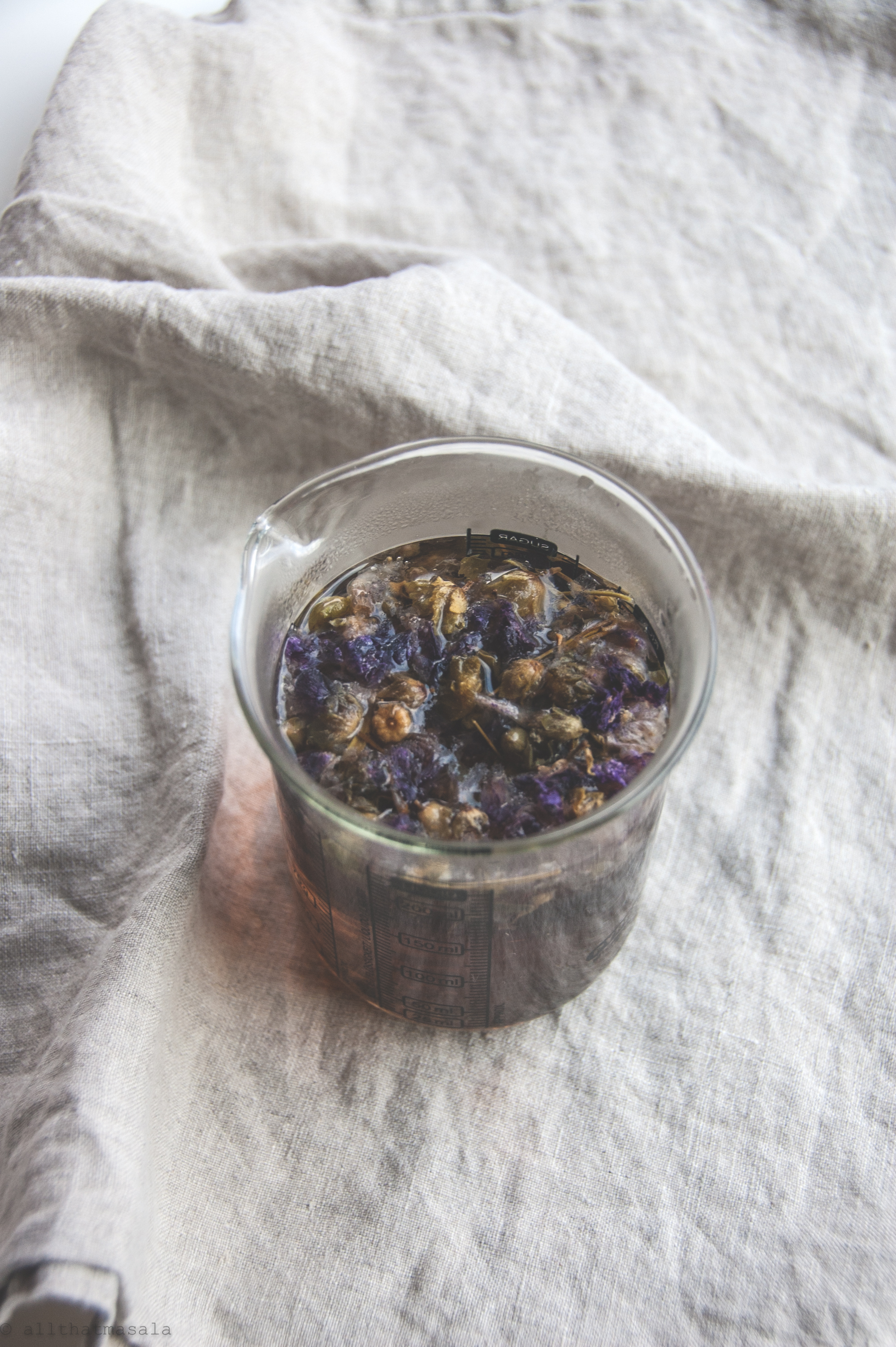 This green iced tea is made of dry violets, yes edible flowers! The recipe itself took me 5 minutes but the flavours were so divine!