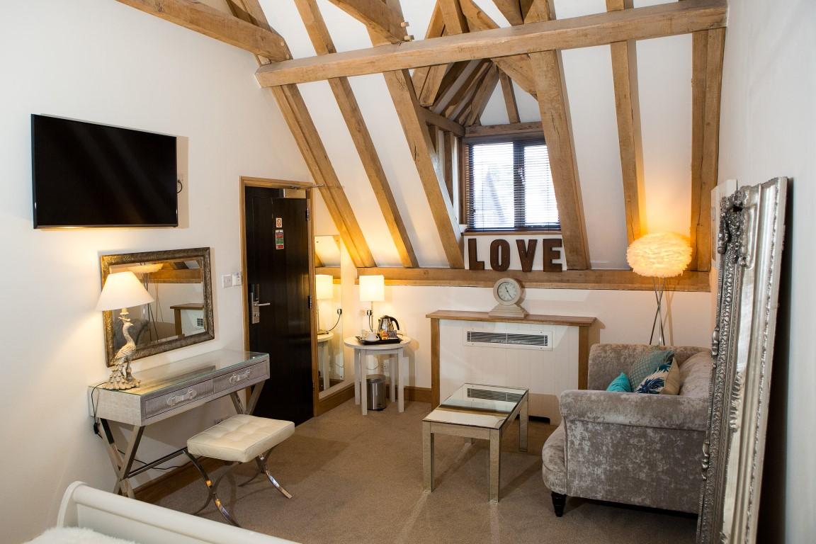 Petite Suite view three