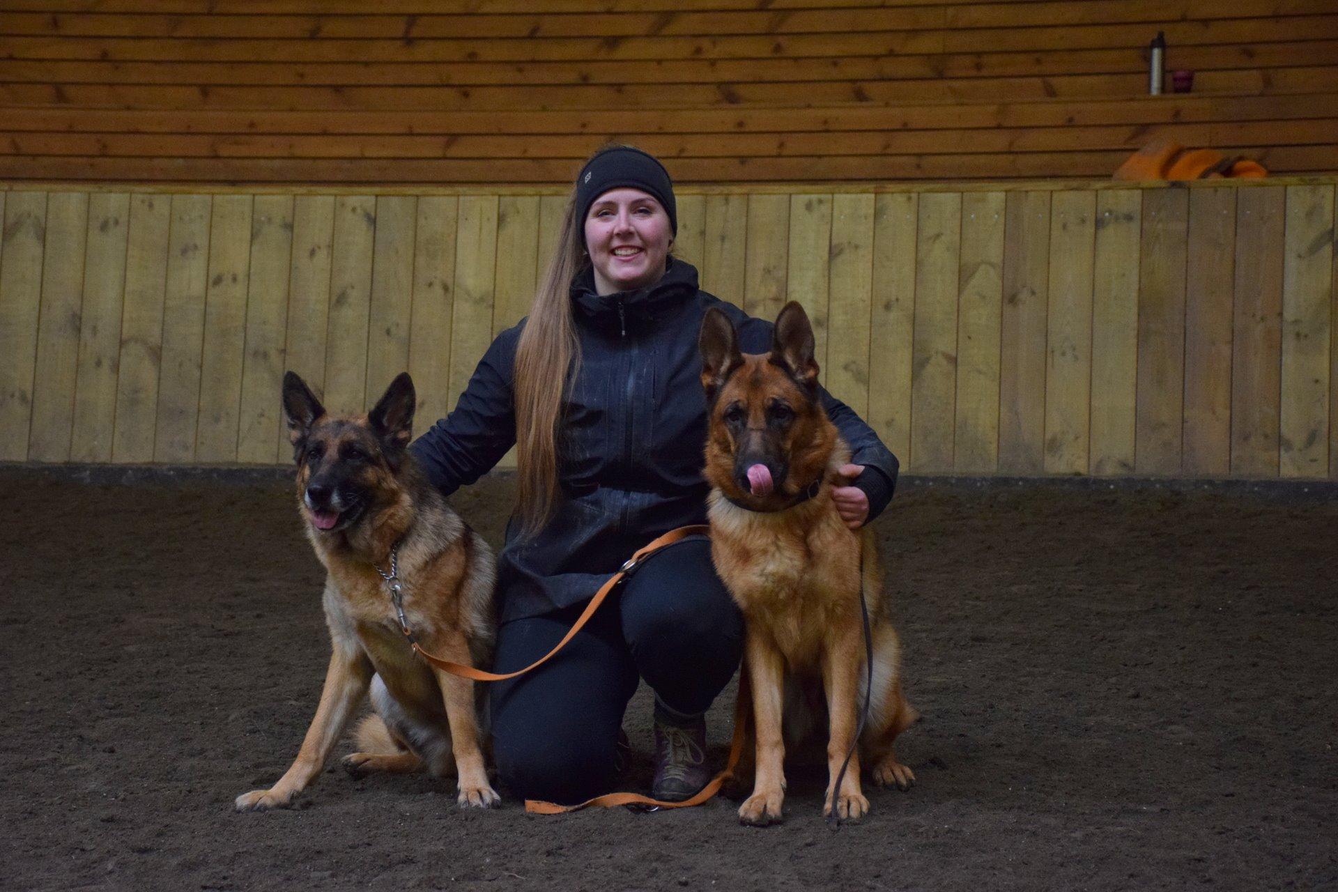 Aska og Ynja 23.03.19.jpg