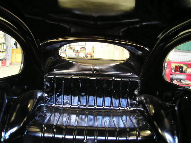 49 Oval Window Detail_jpg.jpg