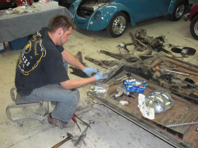 90 Chassis Disassembly_jpg.jpg