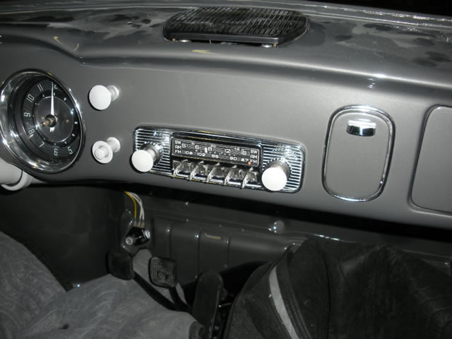 421 Radio & Dash_jpg.jpg