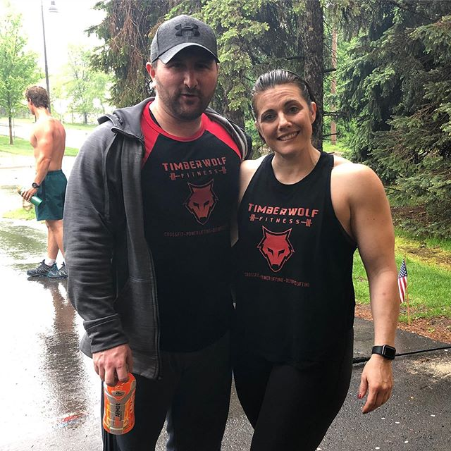 """The couple that """"Murphs"""" together, stays together. A workout in honor to  the hero's that paid the ultimate price for us. #memorialday #timberwolffitness #damnthatkickedourass @timberwolf_fitness"""