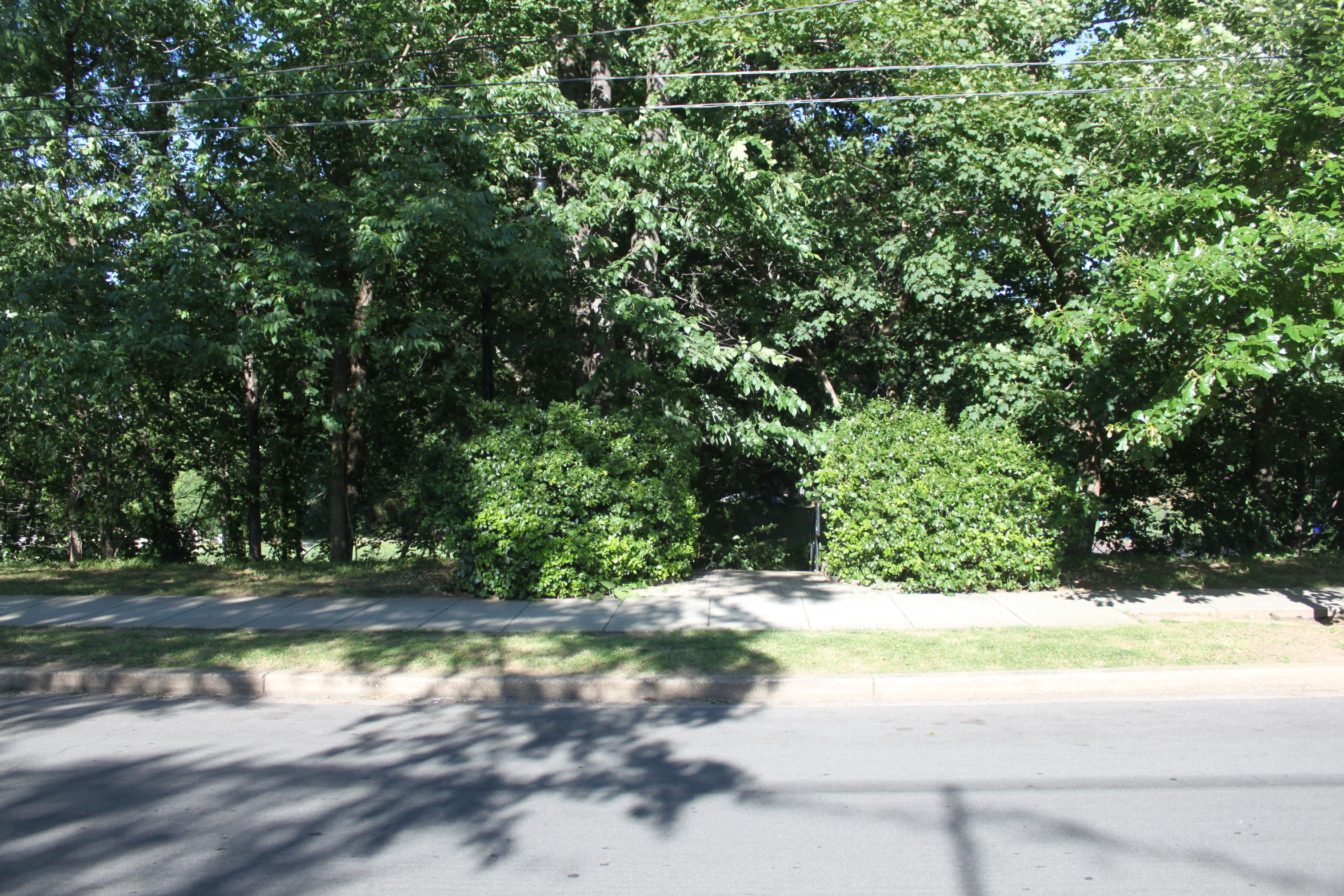 Park Entrance Off Of 37th Street