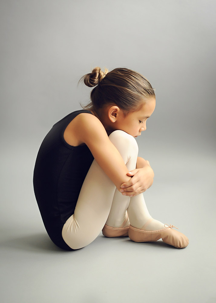 Em ballet sit gray backdop WEB.jpg