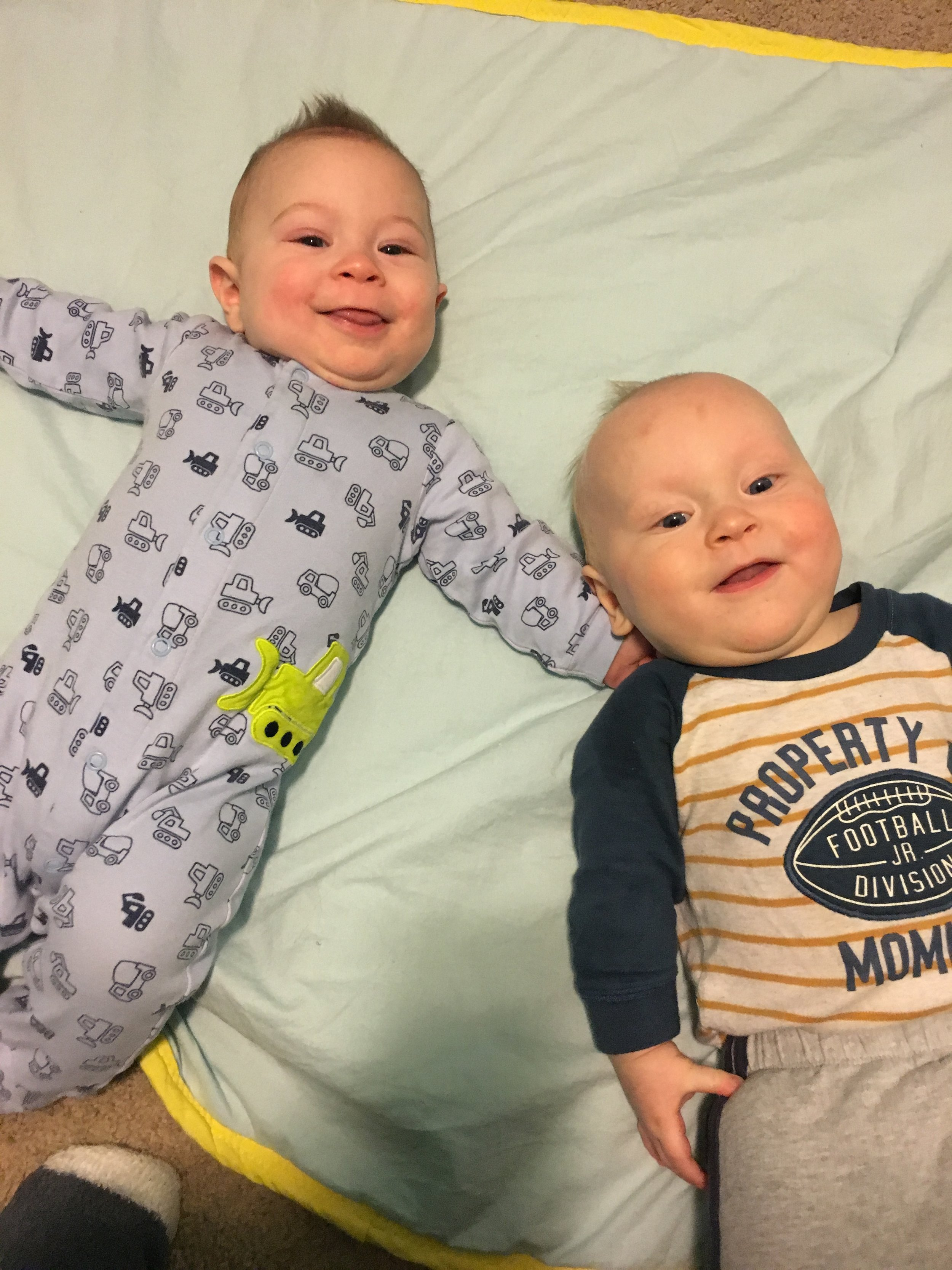 R&R – Twins & best buds for life