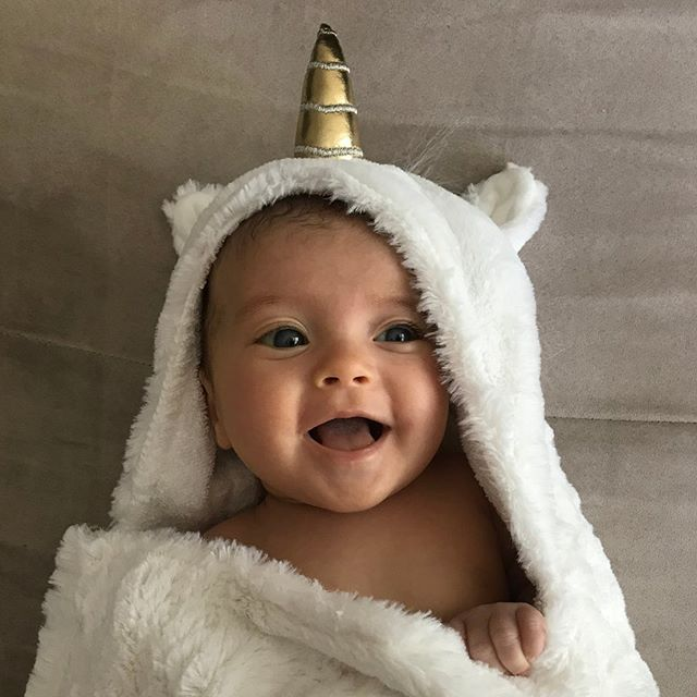 🦄 We already love hooded towels, but this is a Cuteness Overload! 🦄
