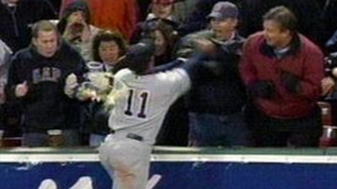 gary-sheffield-fenway-fan-punch-2005.jpg