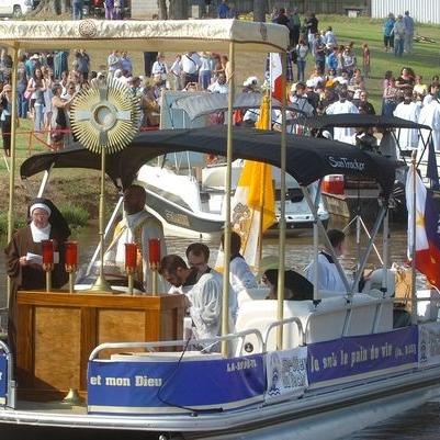 bayou procession.jpg