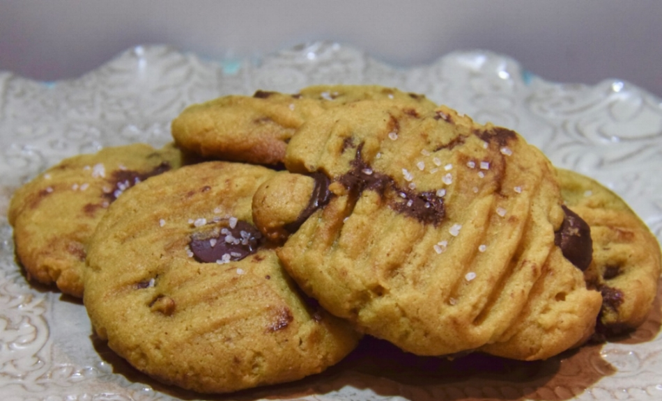 Peanut Butter Chocolate Chip Maple Cookies