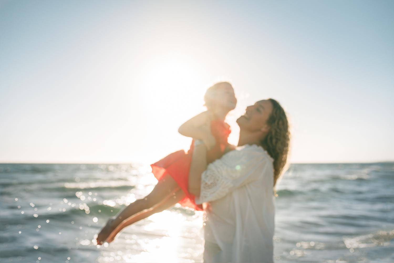 Amy Lucinda Shire Beach Family-5.jpg