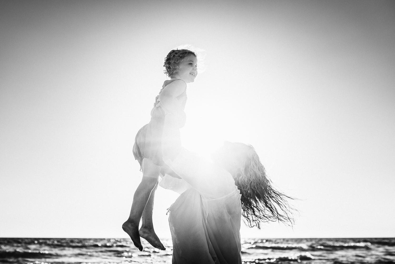 Amy Lucinda Shire Beach Family-4.jpg
