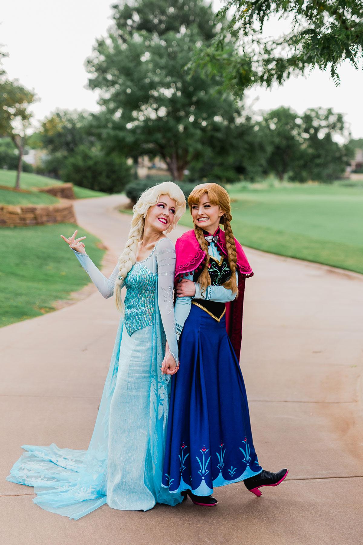 Anna&Elsa.jpg