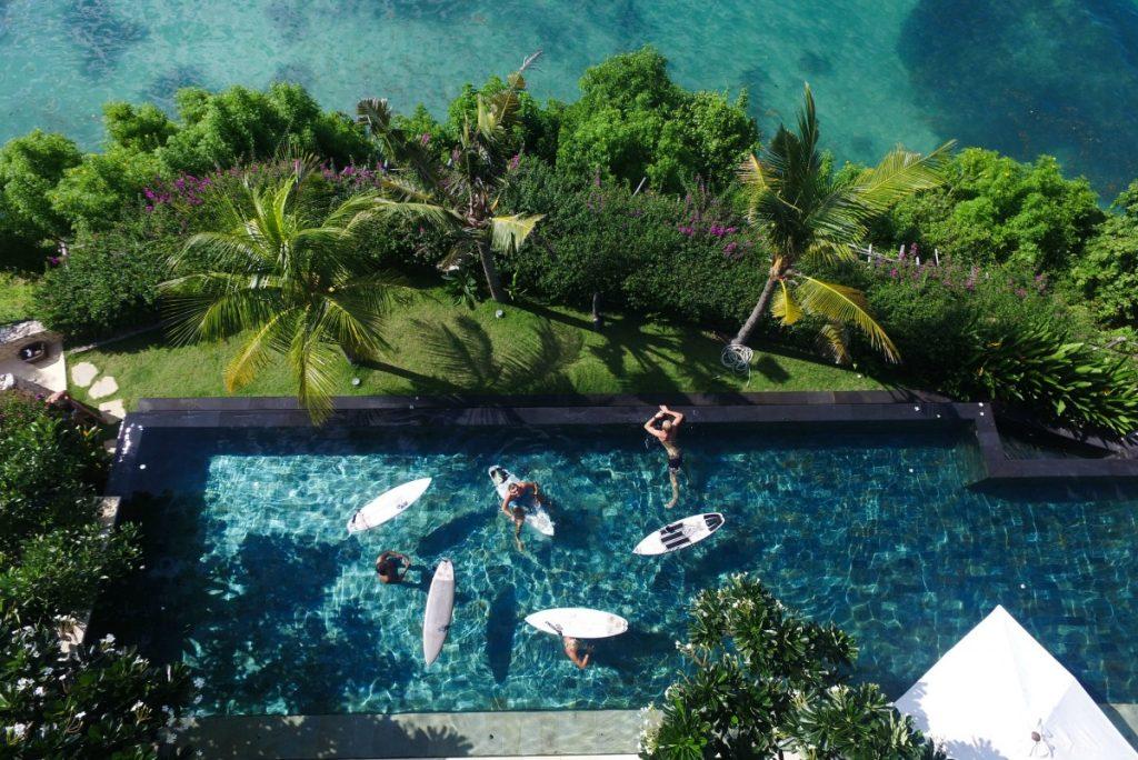bali-waterside-pool-private-villa-e1464510868948-1024x684.jpg