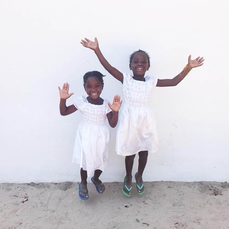 kurandza-girls-and-school-small-3.jpg