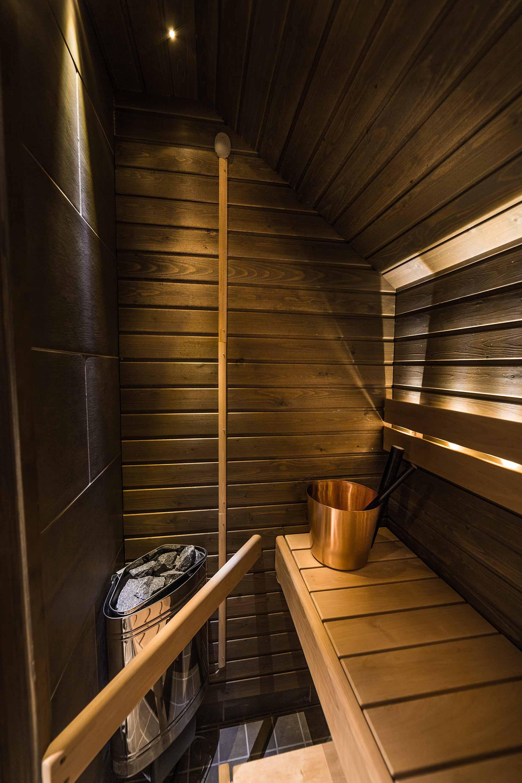 Aurora view suite sauna 2.jpg