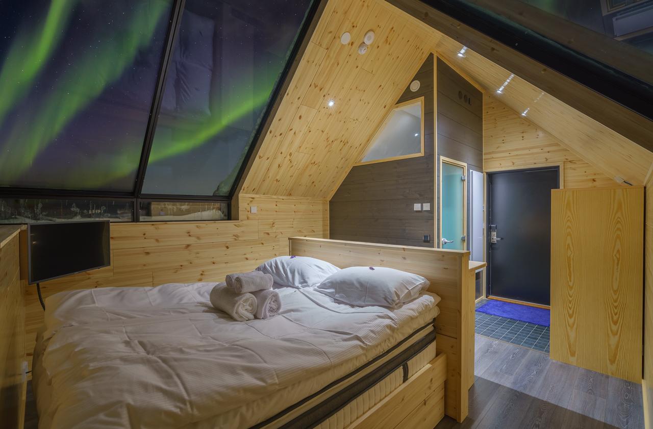 Star Arctic Hotel inside.jpg