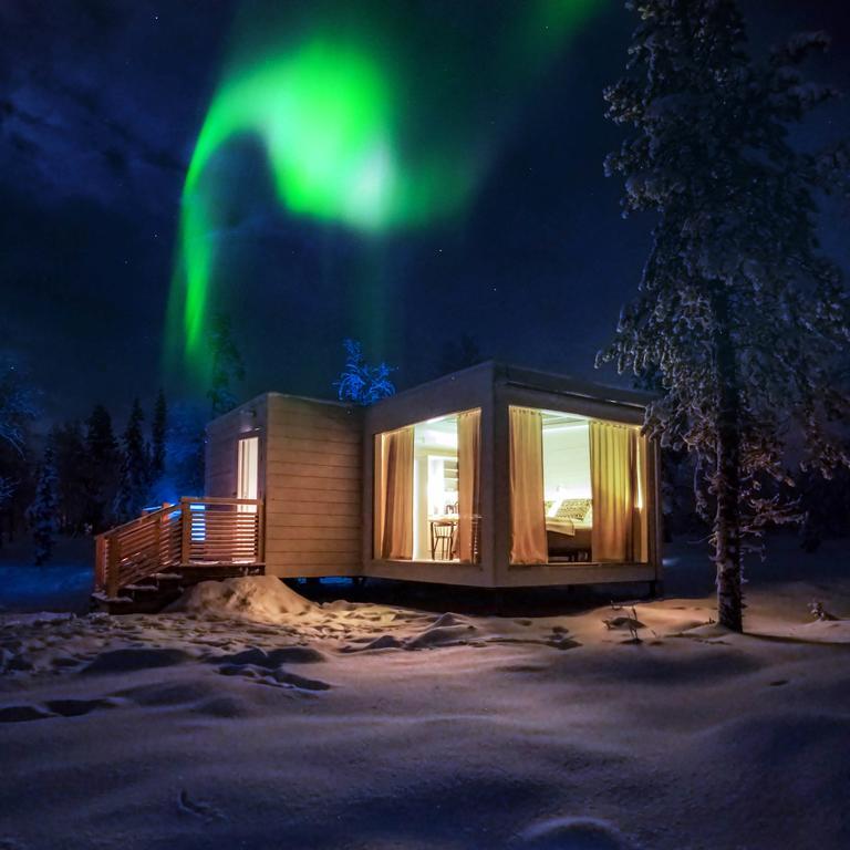 deluxe aurora cabin 2.jpg