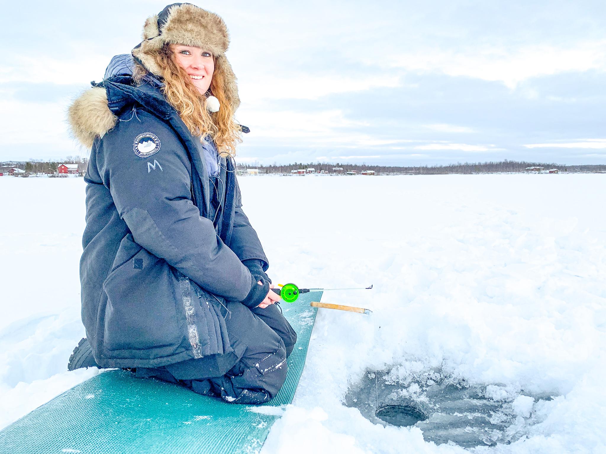 ice-fishing-sweden-lapland-2.jpg