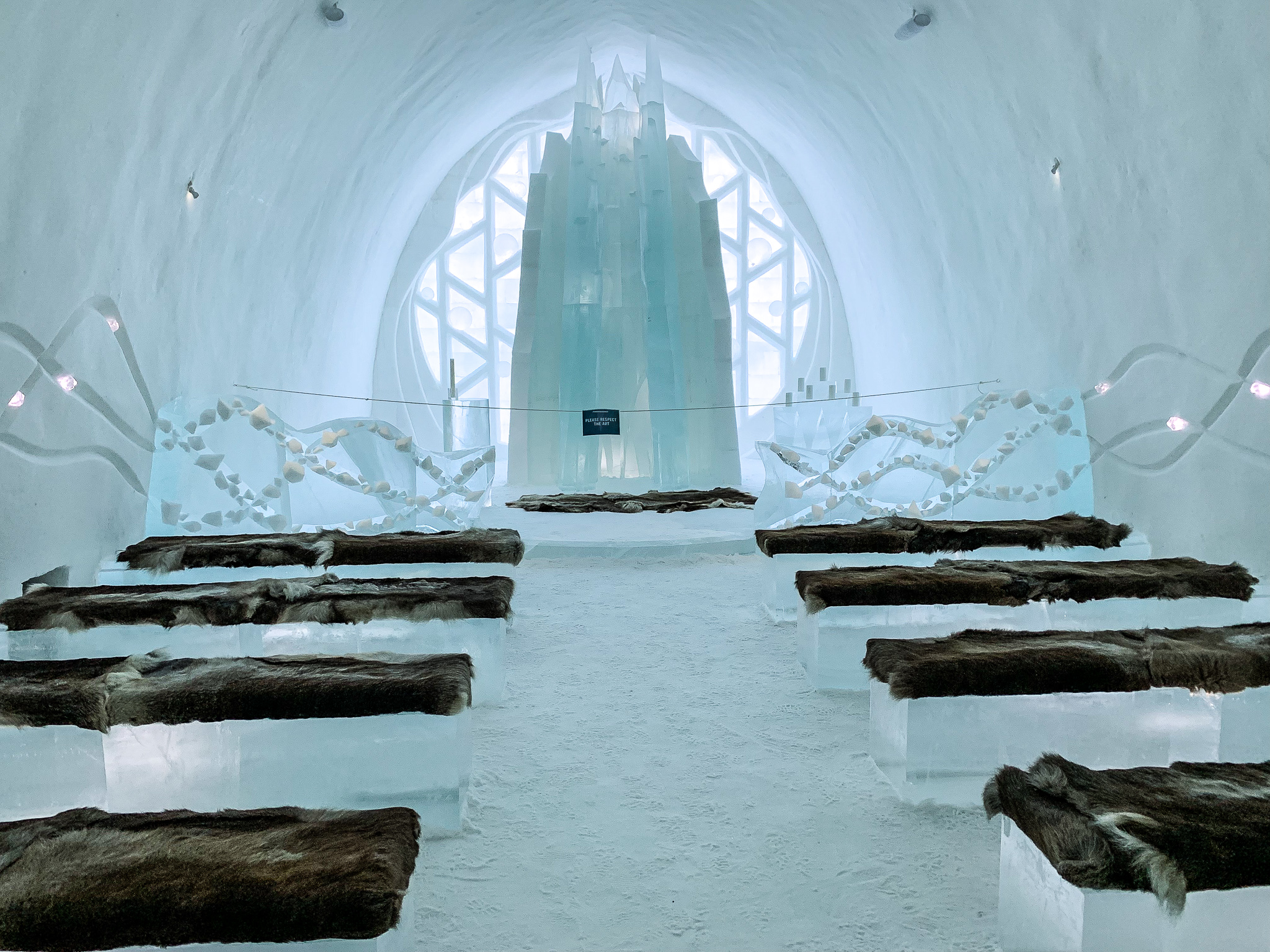 Ice-Hotel-Kiruna-Chapel.jpg