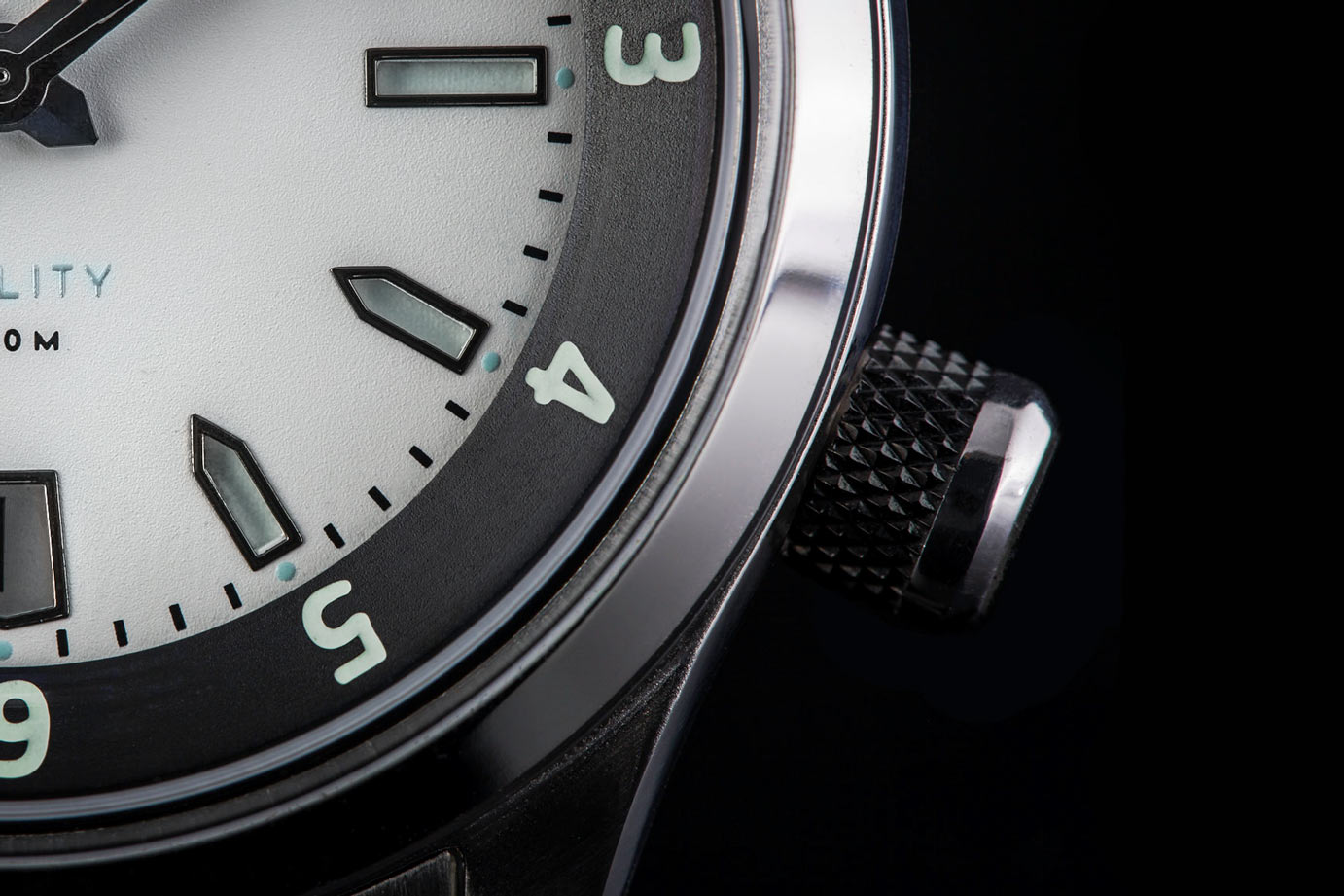 INNOVATIVE CONSTRUCTION - The Duality features a first-of-its-kind hybrid dial which comprises a sandwich construction with applied indices, allowing for maximum visual depth. It is operated with a pair of screw down crowns, constructed with a decoupling function that is reminiscent of the original EPSA-patented Super Compressor caseback mechanism, ensuring accurate bezel-timing and the integrity of the water-resistance seals.